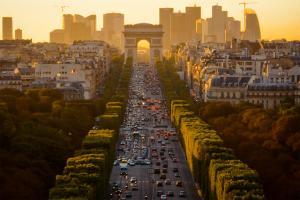 Đại Lộ Champs Élysées - Điểm Đến Nổi Tiếng Của Nước Pháp