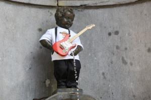 Manneken Pis: Tượng Chú Bé Đi Tè - Biểu Tượng Của Brussels, Nước Bỉ
