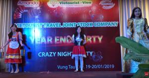Nhân Viên Vietourist-Vigo - Trình Diễn Thời Trang Các Nước