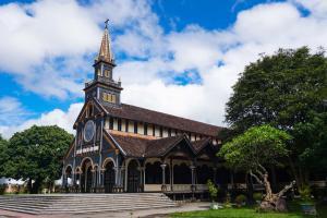 Nhà thờ chánh tòa Kon Tum - Báu Vật Giữa Núi Rừng Tây Nguyên