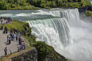 Thác Nước Niagara Hùng Vĩ Ở Biên Giới Ở Mỹ Và Canada