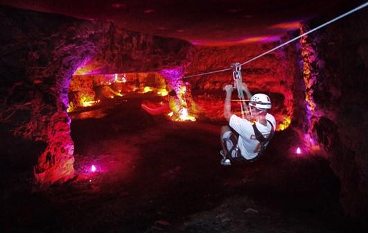 Động Louisville Mega Cavern, Kentucky