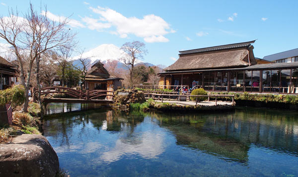 Làng cổ Oshinohakkai Nhật Bản