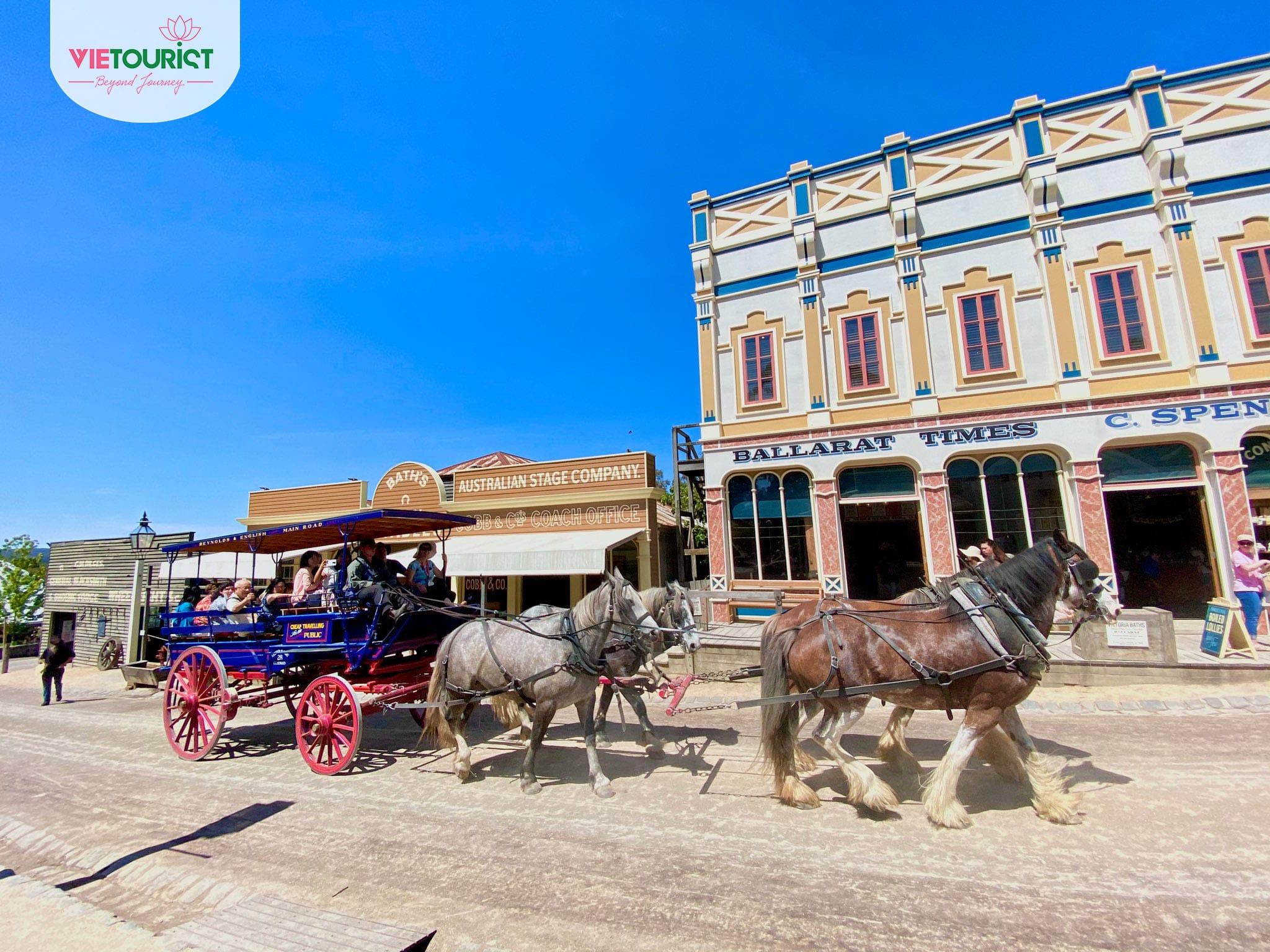Khách hàng tham gia tour Úc của Vietourist