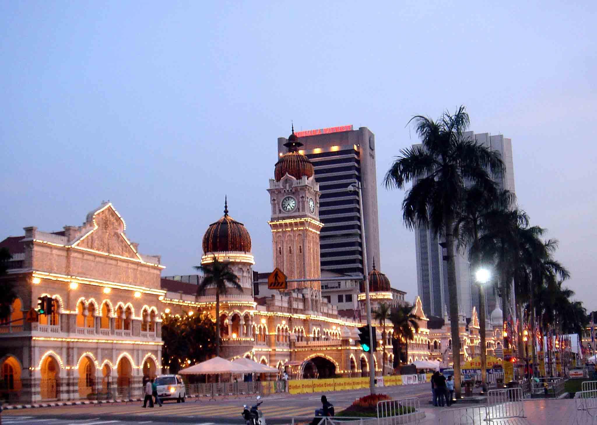 Du lịch Malaysia tết 2016 - Tháp đôi Pentronas