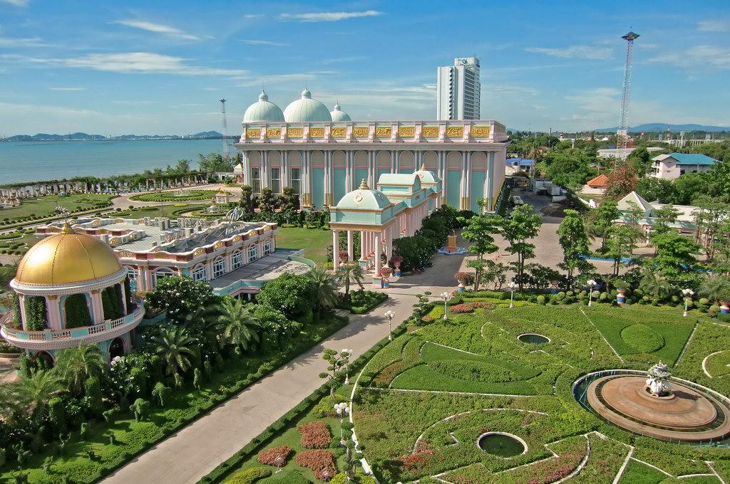Lâu đài tỷ phú - du lịch Thái Lan Vietourist
