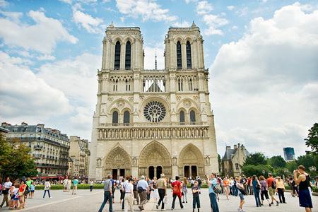 Nhà thờ Đức bà Paris - Du lịch Châu ÂU Vietourist