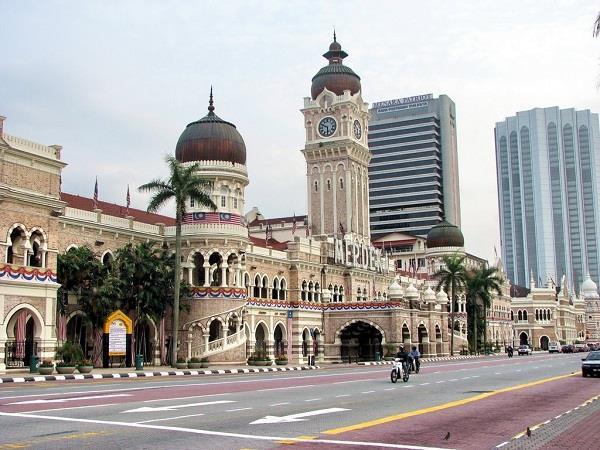 Quảng trường độc lập - Du lịch Malaysia giá rẻ Vietourist