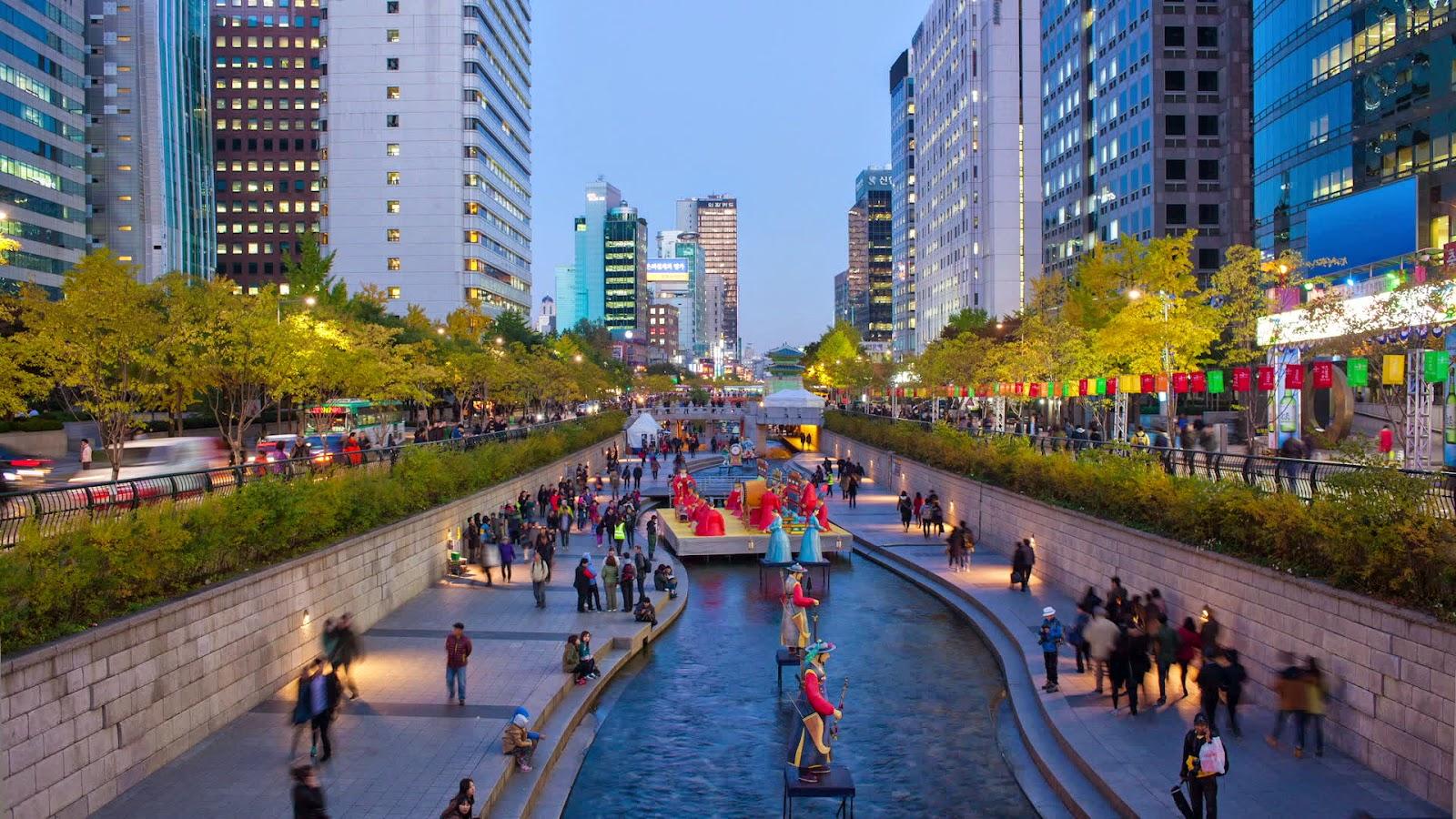 Thác nước Cheonjiyeon