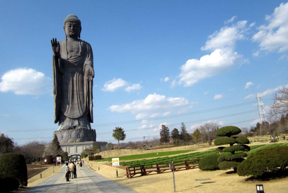 tượng Phật Ushiku Great Buddah - Du lịch Nhật Bản giá rẻ Vietourist